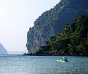 Mit dem Kayak die Insel Koh Mook entdecken